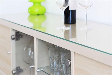ikea kallax tisch praktische glasplatte f 252 r ikea lack tisch ikea hacks pimps new swedish design