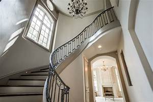 Accessible Beige - French - entrance/foyer - Sherwin