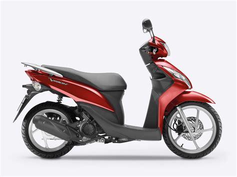 honda 125 roller overview vision scooter range motorcycles honda