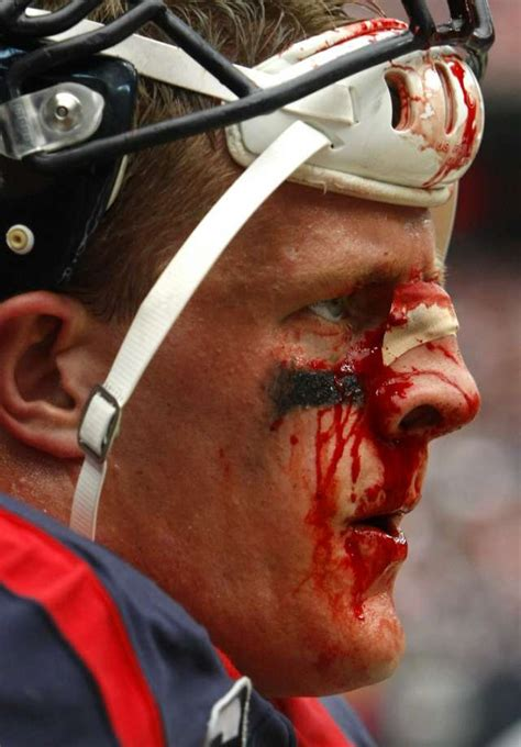 jj watt reportedly   build fence  pearland