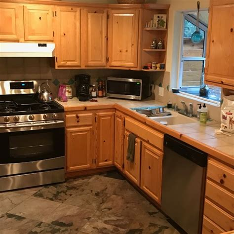 knotty pine cabinets kitchen knotty pine kitchen cabinets 6674
