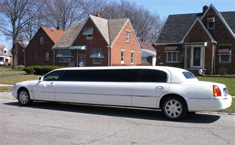 Classic Car Limo Service by Renting A Classic Car Service For Your Wedding Cleveland
