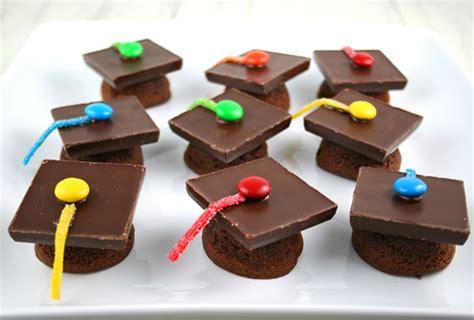 24 adorable preschool graduation ceremony ideas 2019 250   preschool graduation ceremony graduation cap cupcakes