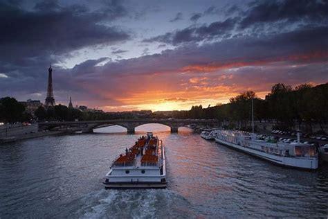 Bateau Mouche Paris English by Bateaux Mouches Paris