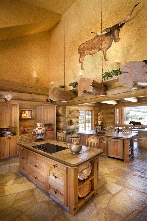 une maison en bois de luxe dans la nature