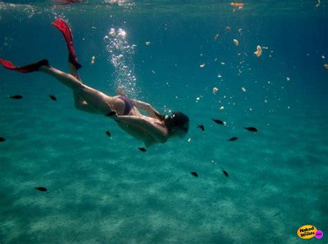 Underwater Pussy Flashing