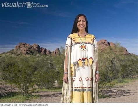 Native American Women Clothing