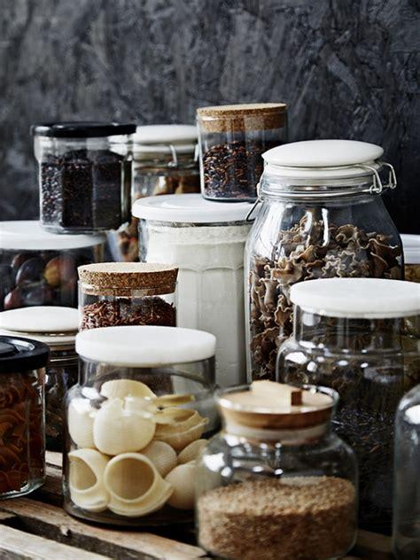 bocaux decoration cuisine mettez du noir dans la cuisine joli place