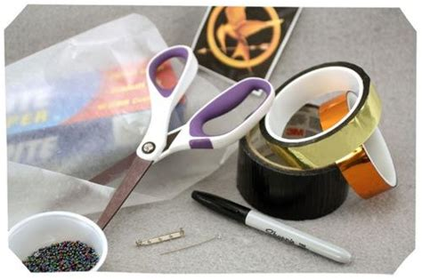 how to make hunger how to make a hunger games mockingjay pin out of duct tape sophie s world