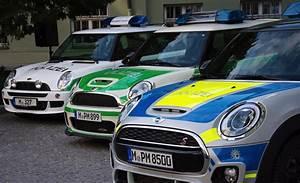 Forum Cooper S : munich police mini f56 cooper s supplements small car fleet ~ Medecine-chirurgie-esthetiques.com Avis de Voitures