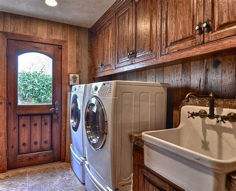 35 Best Rustic Home Decor Ideas And Designs For 2019: Best 25+ Rustic Laundry Rooms Ideas On Pinterest