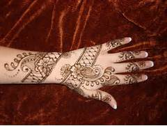 Beautiful Mehndi Design Ideas for Eid Ul Azha 2012   EntertainmentMesh  Henna Designs