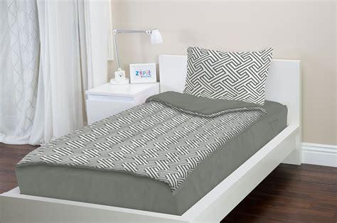 amazoncom zipit bedding set full gray geometric zip