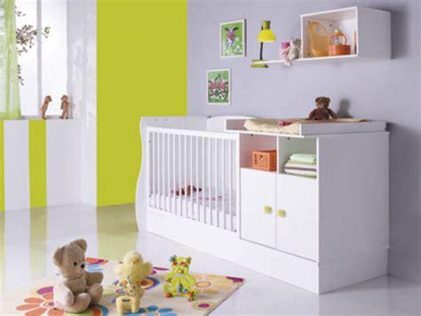 chambre bébé destockage berceau de bébé en bois photo lit bebe evolutif