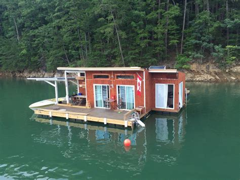 Houseboat Scotland by A Small Off Grid Floating Home On Fontana Lake In Almond
