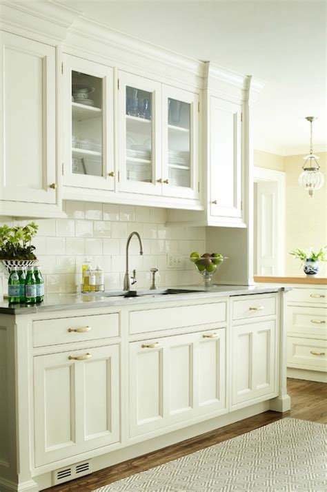 what is a backsplash in kitchen 64 best white country kitchens images on 9637