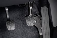 Brake Pedal Goes To Floor No Leaks by Brake Pedal Goes To The Floor When Pressed Auto Repair Help