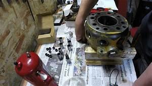Fonctionnement Pompe Hydraulique : restauration d 39 une pompe hydraulique de tractopelle john deere jd410 partie 2 youtube ~ Medecine-chirurgie-esthetiques.com Avis de Voitures