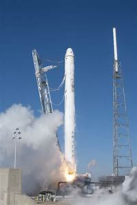 SpaceX Launches Falcon 9 Rocket from California · Guardian ...