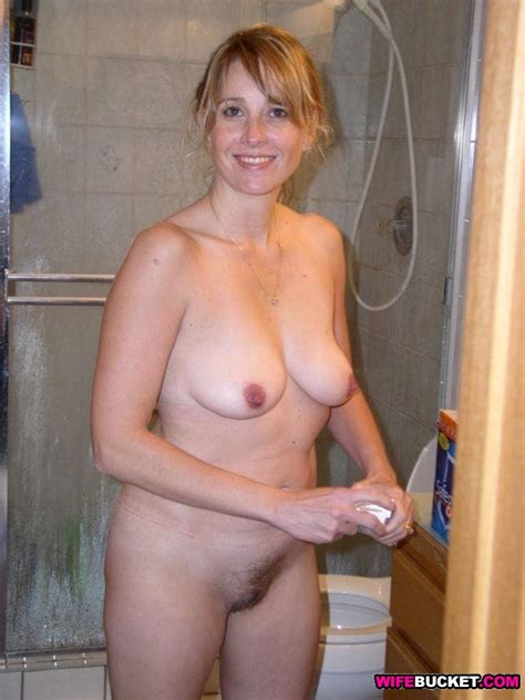 Pretty Middle Aged Mother Self Shots