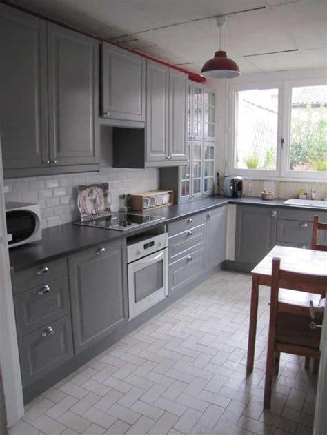 cuisine grise et jaune cuisine grise ikea photo avec impressionnant cuisine grise