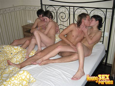 Two Couples Fuck In One Bed Serious Cash Feeds
