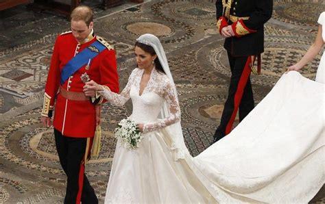 Kate Middleton's Wedding Dress Beats Meghan Markle's