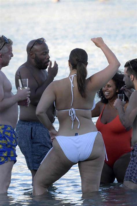 ashley graham bikini bottom   shes wearing