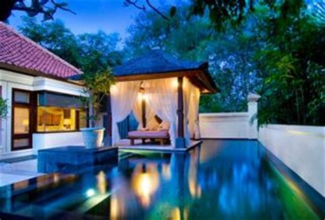 18 Best Luxury Honeymoon Villas