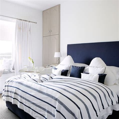 navy and white bedroom country decorating ideas