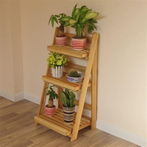 Kitchen Storage Ideas - decore su hogar con madera y dé un efecto rústico