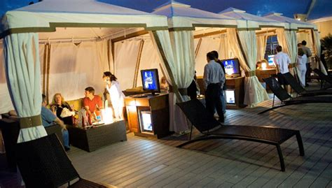luxe hotel patio furniture for rooftop bars patio
