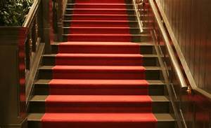 le tapis pour escalier en 52 photos inspirantes With tapis de marche avec canapé démontable ikea