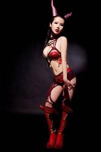 TOP 10 Sexy Cosplay Girls Dota 2