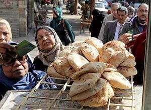 Egypt's inflation surge begins to slow in March - Africa M.E.
