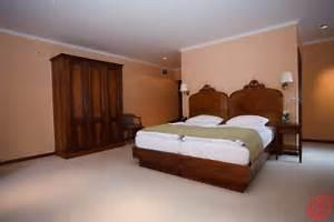 colori pareti per camere da letto classiche: camera da letto ... - Colori Pareti Per Camera Da Letto
