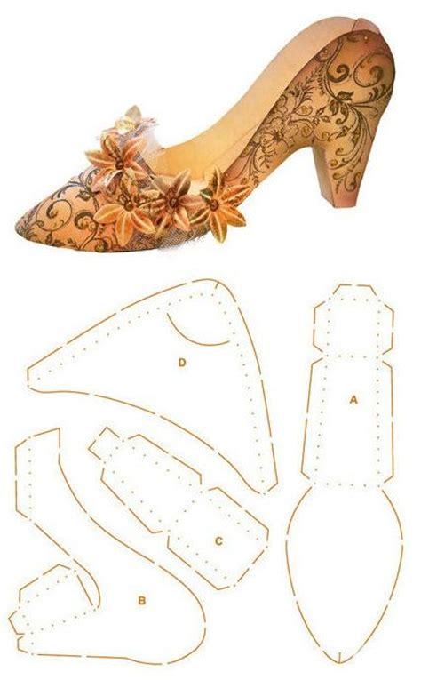 castel femme de chambre chaussure mesurant environ 20 cm x 12 cm x 9 cm gabarit