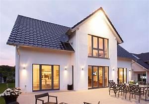 Günstige Häuser Bauen : das modell lengfeld ein imposanter grundriss mit einem dominantem erker unter dem 3 giebel ~ Buech-reservation.com Haus und Dekorationen