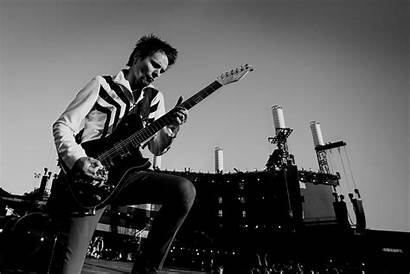Muse Bellamy Matthew Matt Guitar Drummer Concert