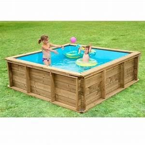 Dřevěný nadzemní bazén