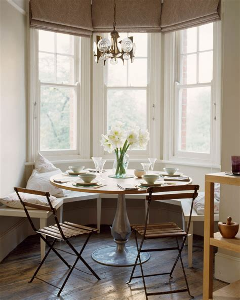 dining  comfort  kitchen banquettes