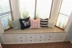 Fensterbank Zum Sitzen Bauen : so machst du aus deinem ikea kallax regal eine coole ~ Lizthompson.info Haus und Dekorationen
