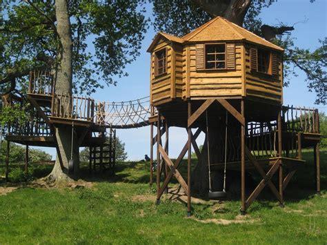 Treehouses : High Life Treehouses