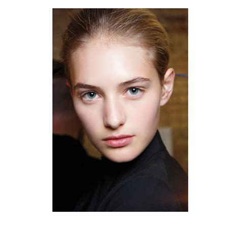 The Easiest Beauty Trend Ever Natural Makeup Chatelaine