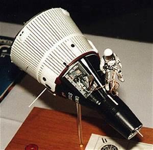 Gemini Spacecraft Model Interior - Pics about space