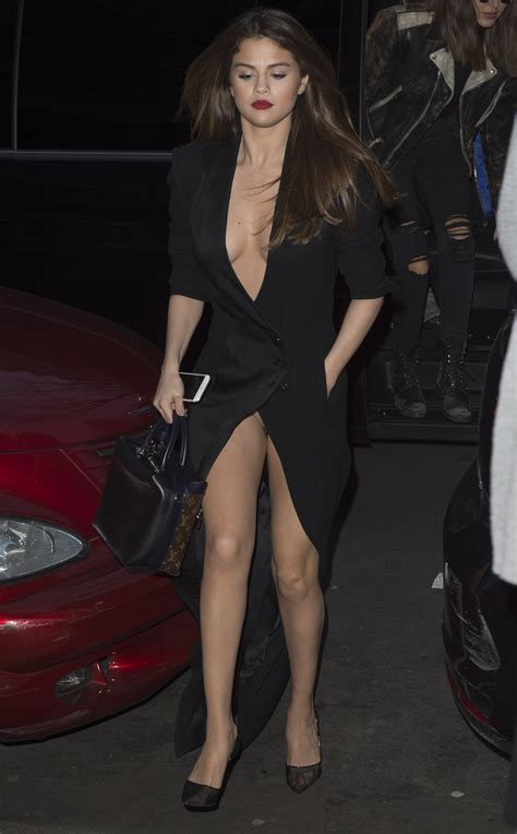 Selena Gomez Cleavage And Upskirt In Paris 28 Celebrity