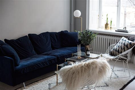 20 Beautiful And Comfortable Velvet Sofa Designs