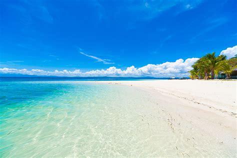 Playa De Agua Azul Clara