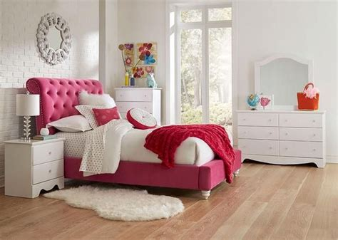 bedroom pink furniture