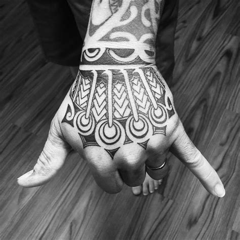 nice ancient hawaiian tattoos